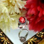 宝石 6月誕生石 アレキサンドライトの意味や色変わりの不思議の謎とは